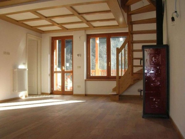 Appartamento in vendita a Ponte di Legno, Vicino Al Centro, Con giardino, 113 mq