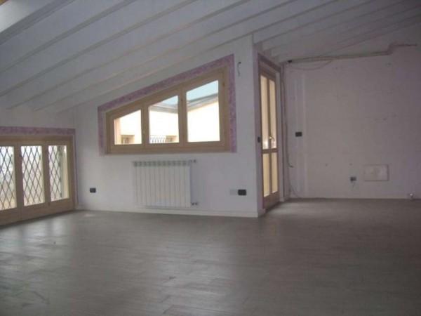 Appartamento in vendita a Brescia, Con giardino, 180 mq
