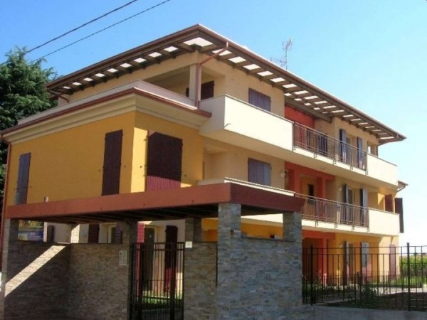 Appartamento in vendita a Travagliato, Vicino Al Centro, 95 mq