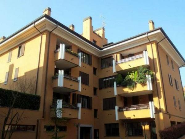 Appartamento in vendita a Peschiera Borromeo, Con giardino, 200 mq