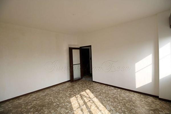 Appartamento in vendita a Milano, San Siro, Con giardino, 77 mq