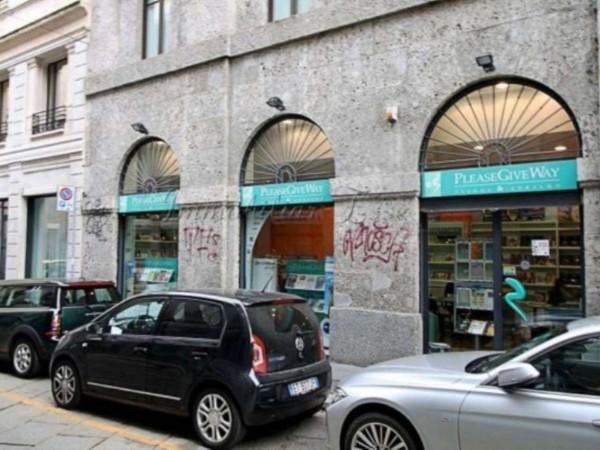Negozio in vendita a Milano, Italia, Missori, 200 mq