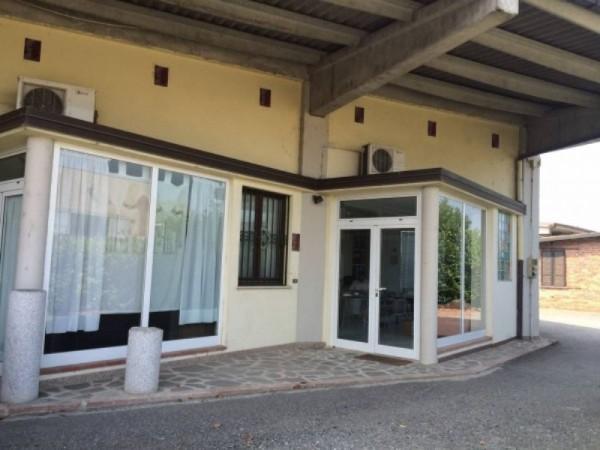 Capannone in vendita a Codogno, 240 mq - Foto 1