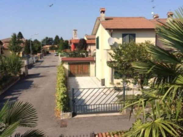 Villetta a schiera in vendita a Corte Palasio, Con giardino, 150 mq - Foto 2