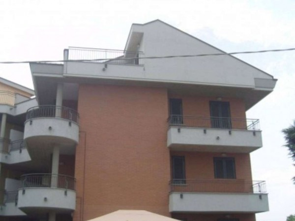 Appartamento in vendita a Desio, 228 mq
