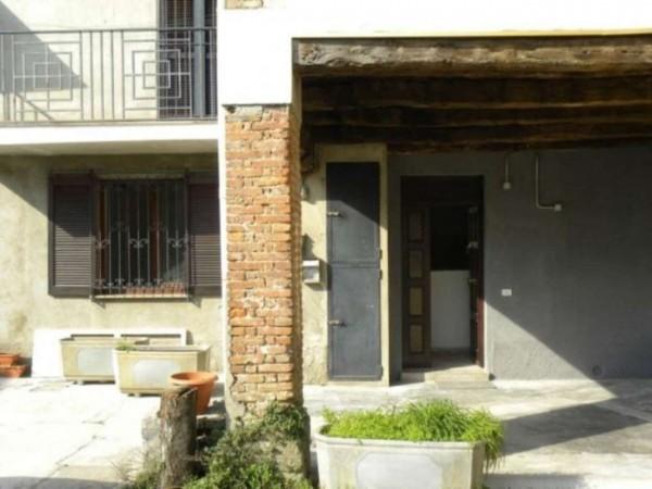Casa indipendente in vendita a Desio, 60 mq