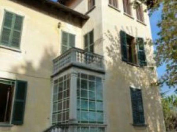 Villa in vendita a Arona, Arona(montrigiasco), 365 mq