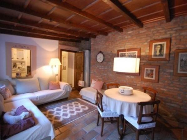 Casa indipendente in vendita a Abbiategrasso, Centro Storico, 265 mq - Foto 1