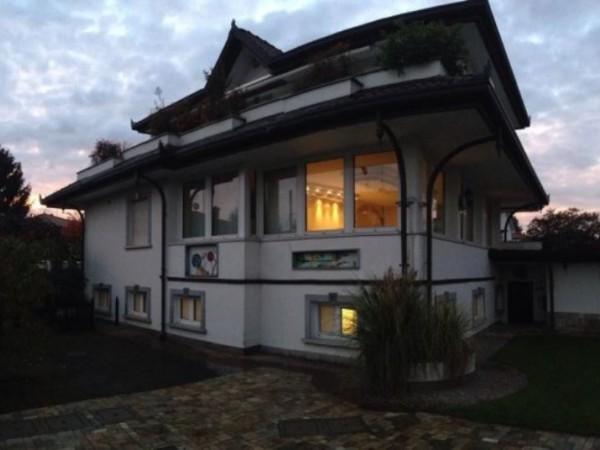 Villa in vendita a Cerro Maggiore, 512 mq