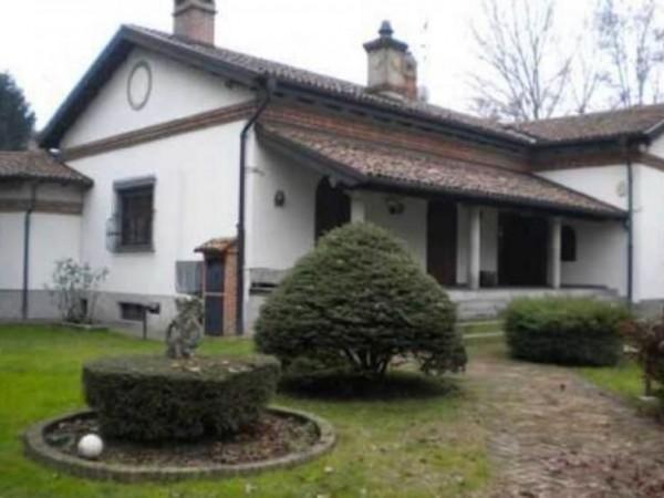 Villa in vendita a Trezzano sul Naviglio, 700 mq