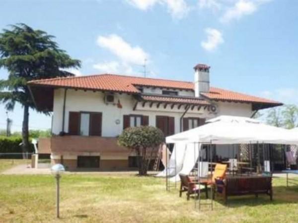 Villa in vendita a Vittuone, 365 mq