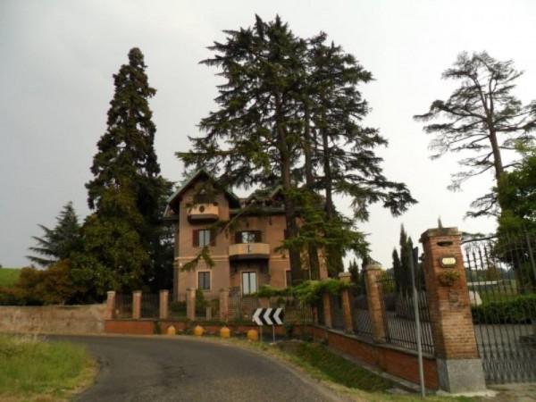 Villa in vendita a Casteggio, 900 mq - Foto 1
