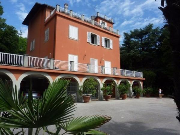 Villa in vendita a Rimini, 600 mq