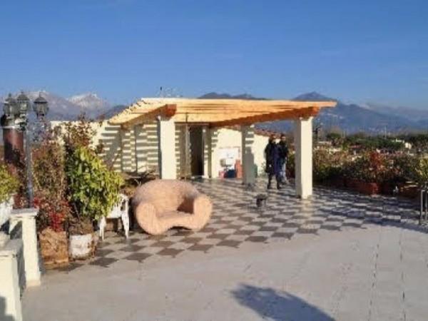 Appartamento in vendita a Forte dei Marmi, 220 mq
