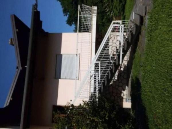 Casa indipendente in vendita a Angera, 650 mq - Foto 7