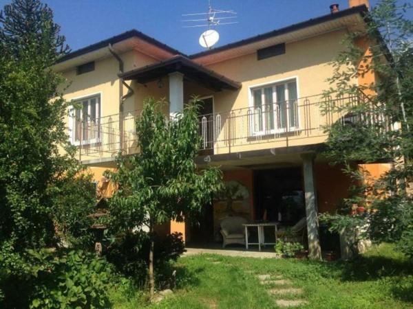 Casa indipendente in vendita a Comerio, 240 mq - Foto 1
