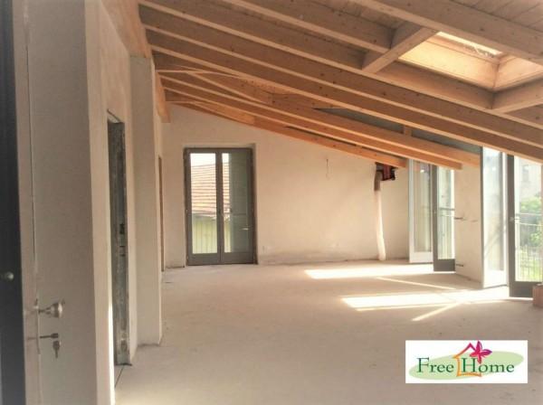 Appartamento in vendita a Gavirate, Acli Zona Stazione, 110 mq