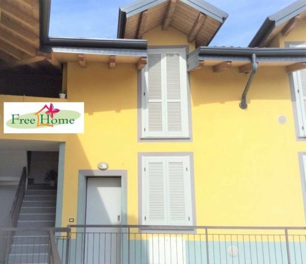Appartamento in vendita a Gavirate, 80 mq