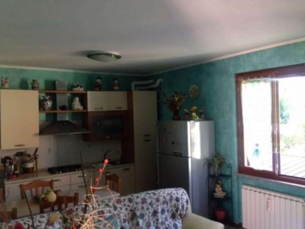 Appartamento in vendita a Azzate, Centro, Arredato, 80 mq
