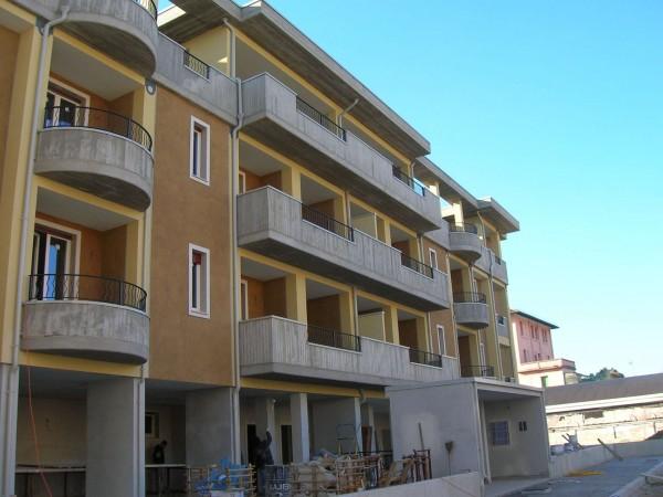 Appartamento in vendita a Brescia, Con giardino, 40 mq