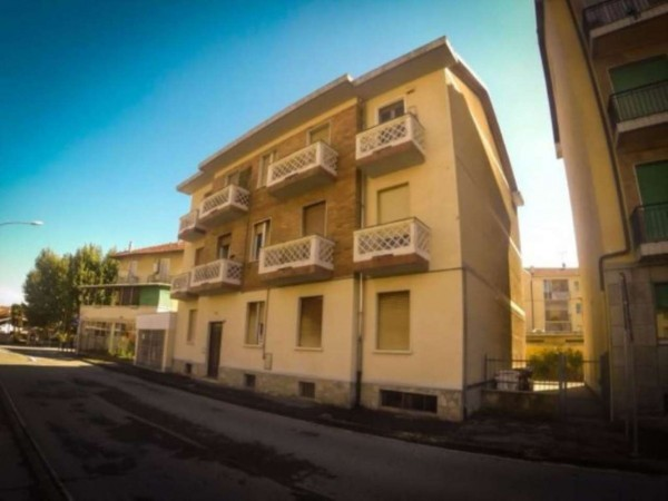 Appartamento in vendita a Orbassano, Centrale, Arredato, 45 mq