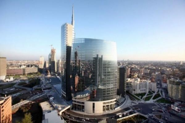Locale Commerciale  in vendita a Milano, Moscova, Arredato, 150 mq