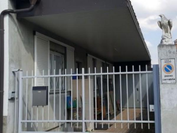 Casa indipendente in vendita a Inveruno, Semicentro, Arredato, 80 mq - Foto 1