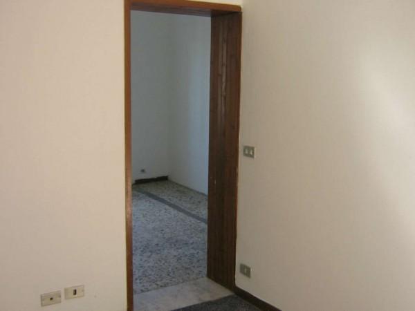 Appartamento in vendita a Genova, Rivarolo, 70 mq - Foto 3