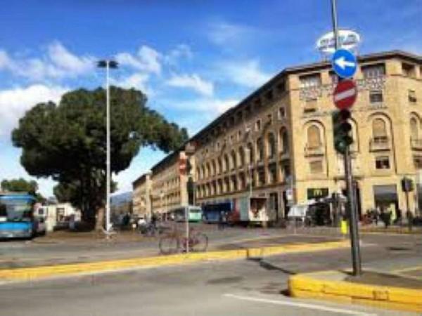 Locale Commerciale  in vendita a Firenze, 400 mq