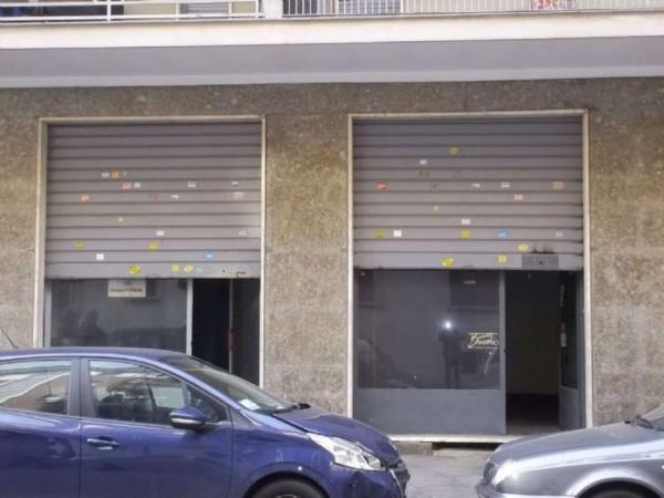 Locale Commerciale  in vendita a Torino, Lingotto, 70 mq