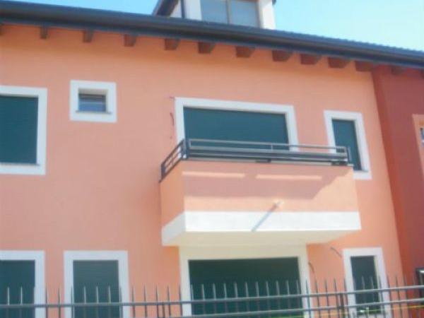 Appartamento in vendita a Parabiago, Villastanza, 100 mq