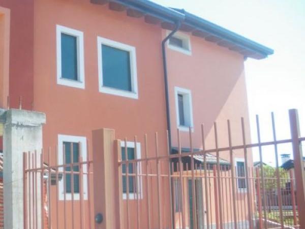 Appartamento in vendita a Parabiago, Semicentro, 54 mq