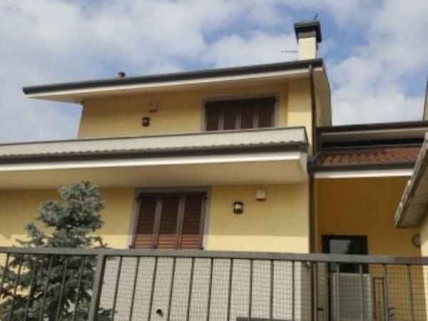 Appartamento in vendita a Casorezzo, Semicentro, 95 mq