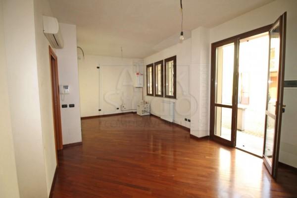 Appartamento in vendita a Cassano d'Adda, 80 mq