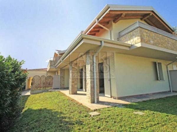Villetta a schiera in vendita a Cassano d'Adda, Con giardino, 140 mq