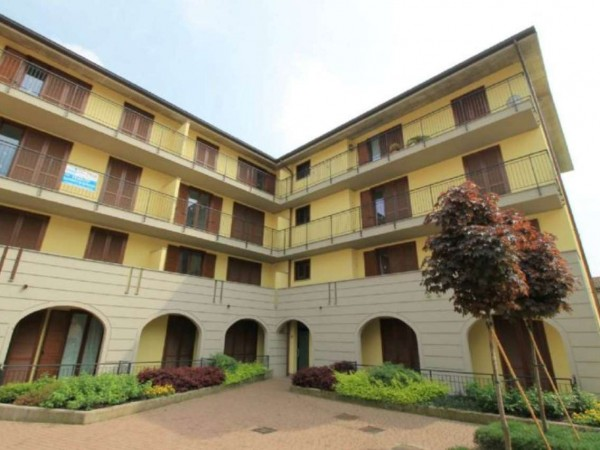 Appartamento in vendita a Cassano d'Adda, Castello, 120 mq