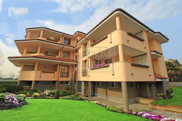 Appartamento in vendita a Cassano d'Adda, Con giardino, 111 mq