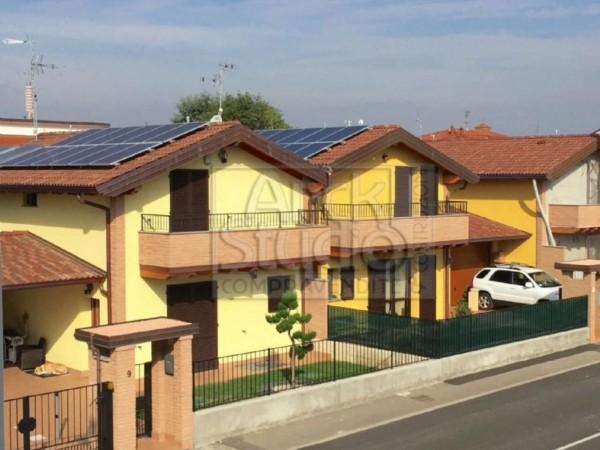 Villa in vendita a Cassano d'Adda, Con giardino, 170 mq