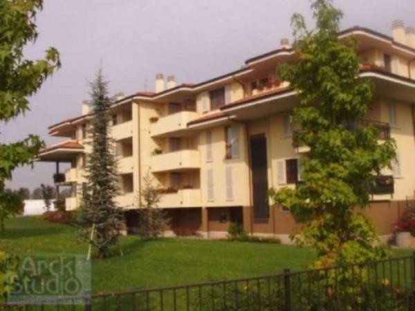 Appartamento in vendita a Truccazzano, Centro, Con giardino, 69 mq