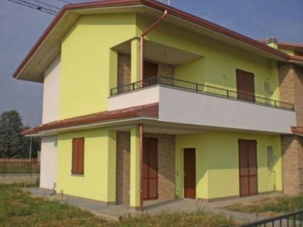 Appartamento in vendita a Calvenzano, Con giardino, 90 mq