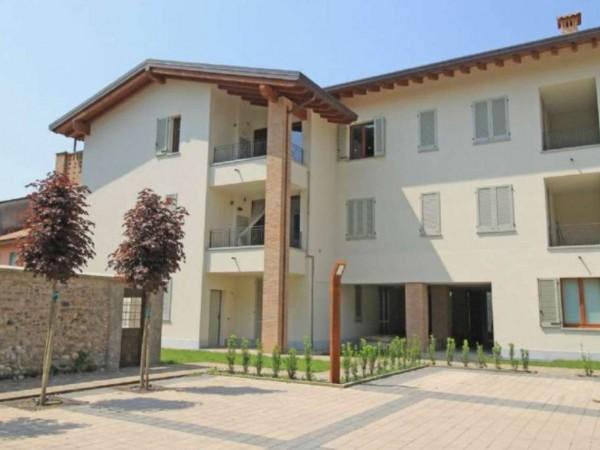 Appartamento in vendita a Cassano d'Adda, Con giardino, 66 mq