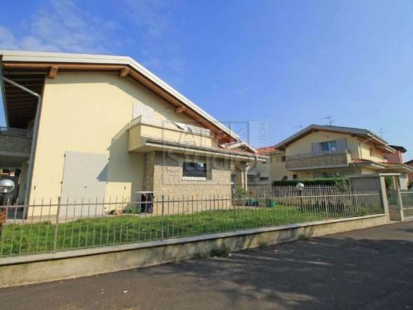 Villetta a schiera in vendita a Cassano d'Adda, Con giardino, 148 mq - Foto 1