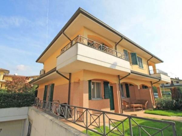 Villa in vendita a Truccazzano, Con giardino, 223 mq