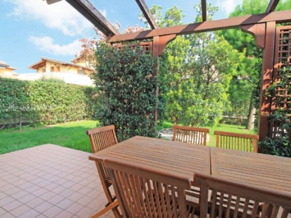 Villa in vendita a Truccazzano, Con giardino, 223 mq - Foto 1