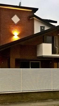 Villa in vendita a Canegrate, Gigante, 190 mq