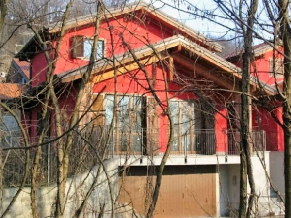Casa indipendente in vendita a Besozzo, 180 mq