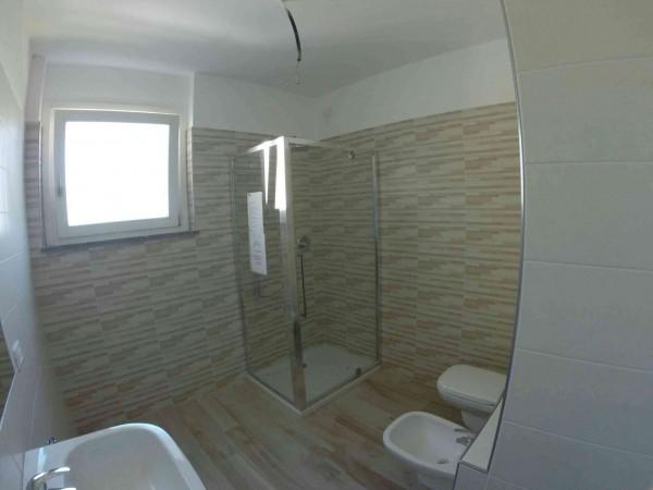 Appartamento in vendita a Caronno Pertusella, Centro Storico, Con giardino, 95 mq - Foto 4