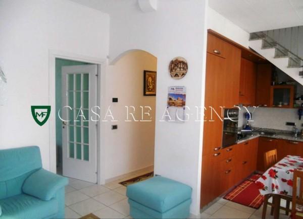 Appartamento in vendita a Varese, Con giardino, 95 mq