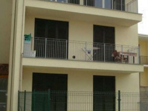 Appartamento in vendita a Caronno Pertusella, Con giardino, 83 mq