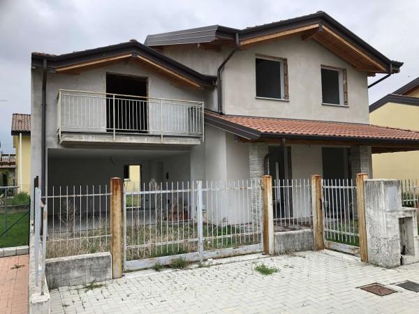 Villa in vendita a Caravate, Con giardino, 180 mq - Foto 1
